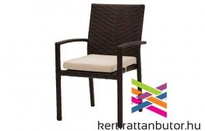 Kerti rakásolható rattan szék